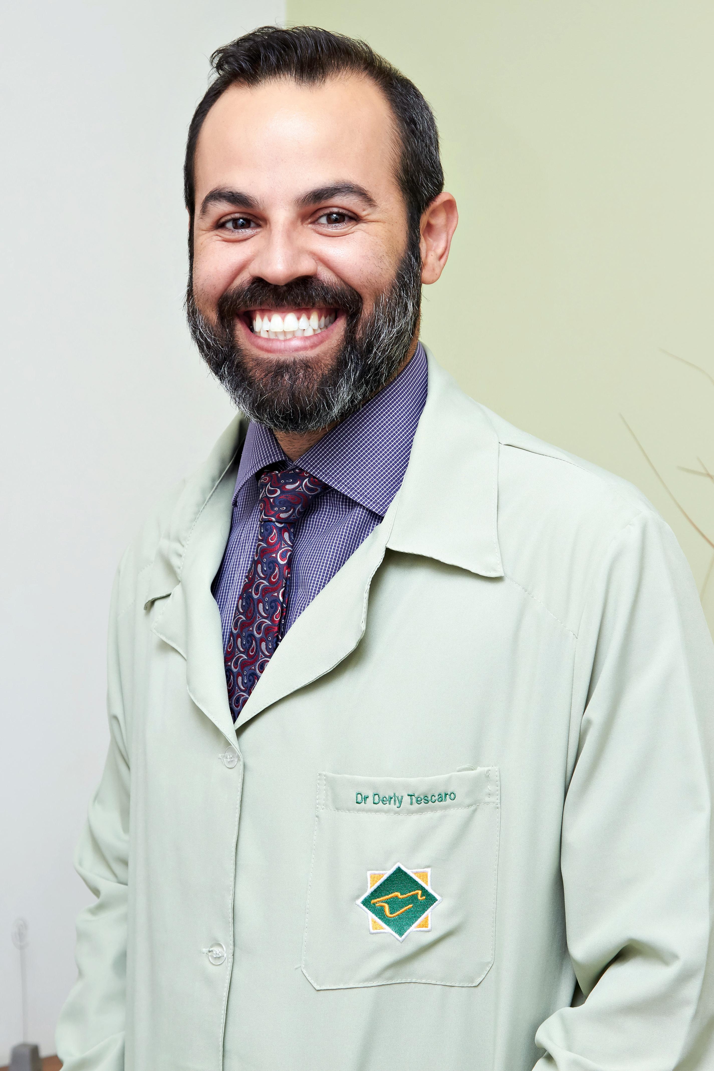 Dr. Derly Tescaro