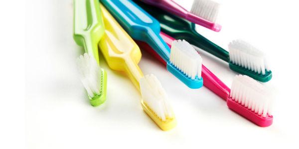 Saiba como higienizar sua escova de dentes